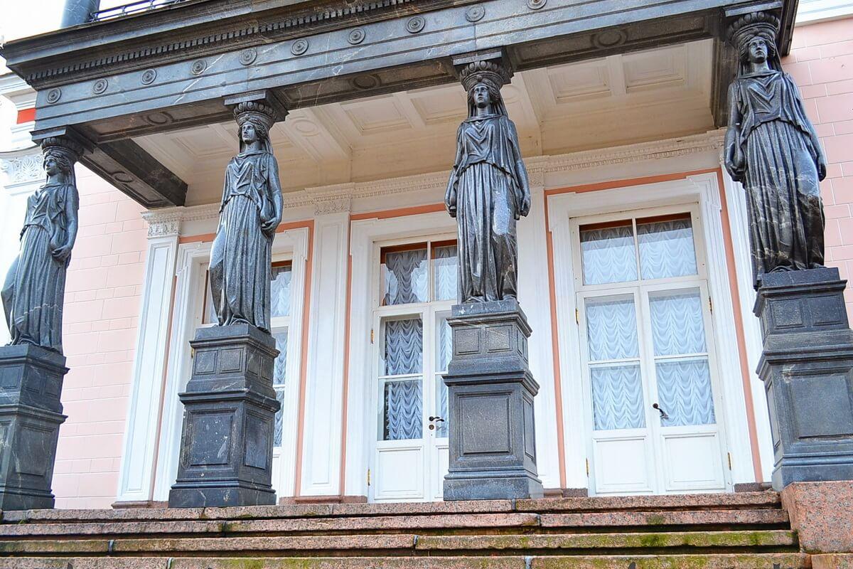 Бельведер дворец.