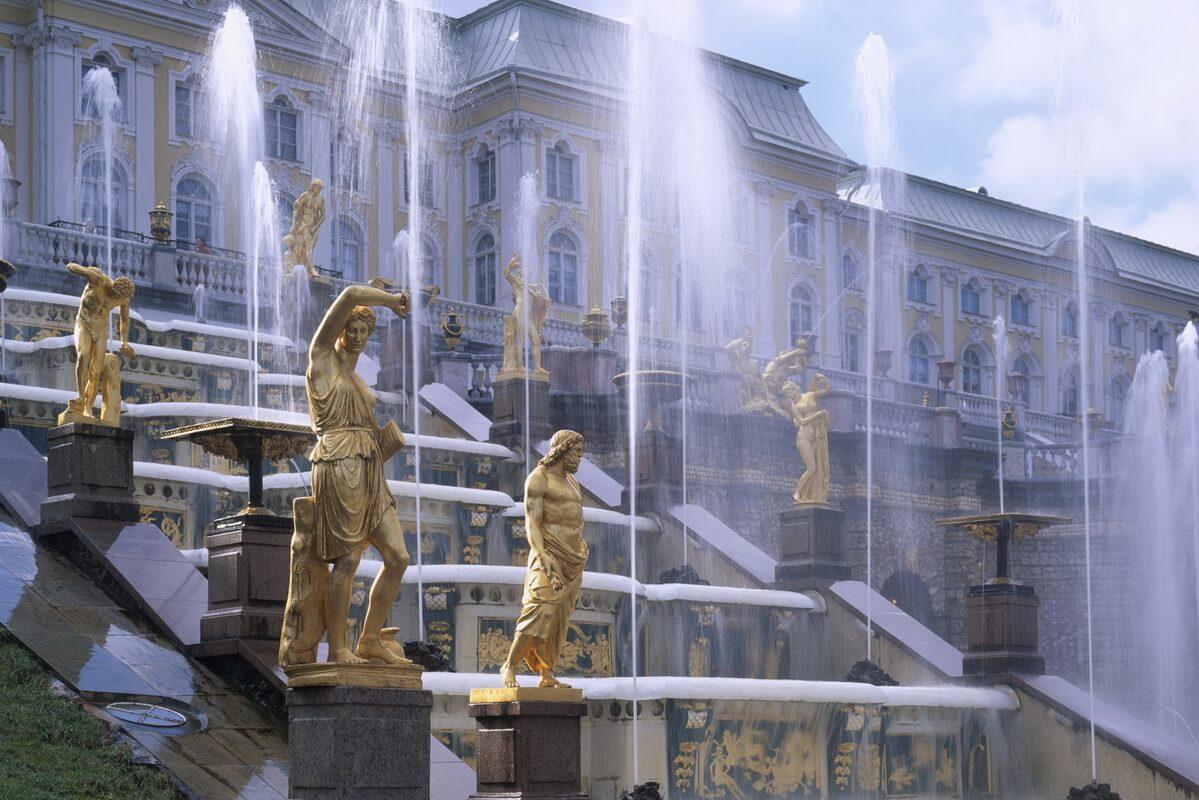 Большой каскад и Императорский дворец