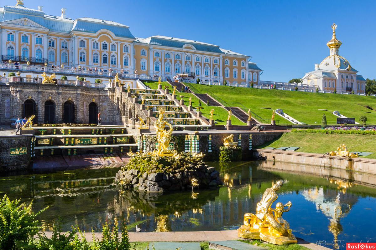 Фонтаны Нижнего парка Петергофа