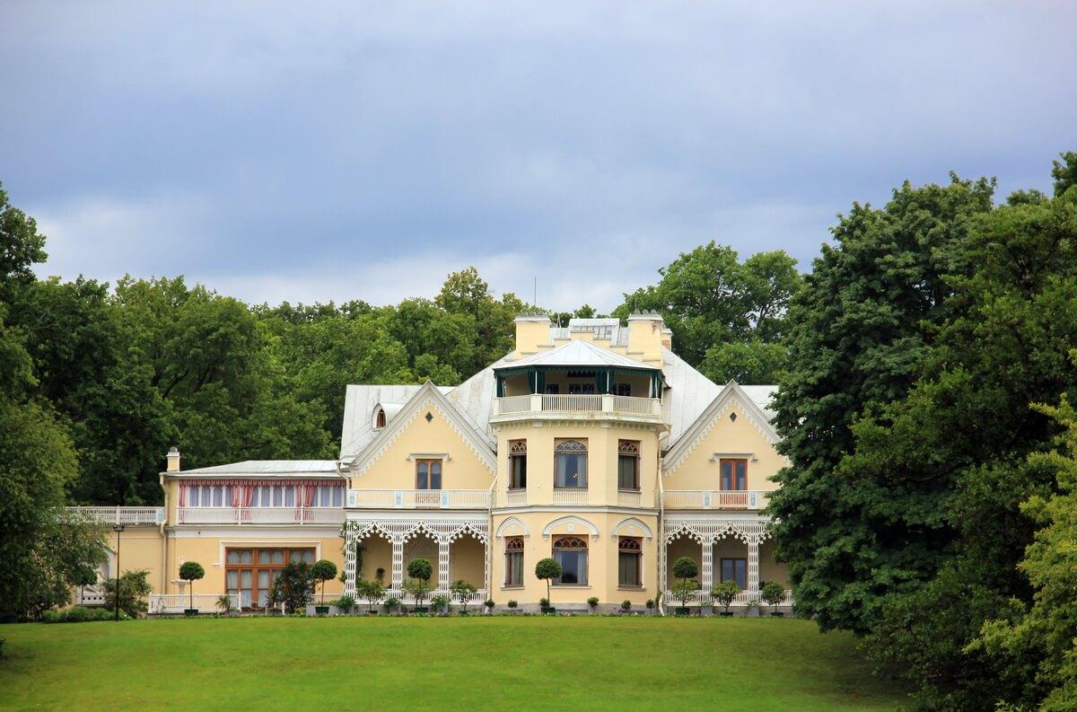 Фермерский дворец в Петергофе