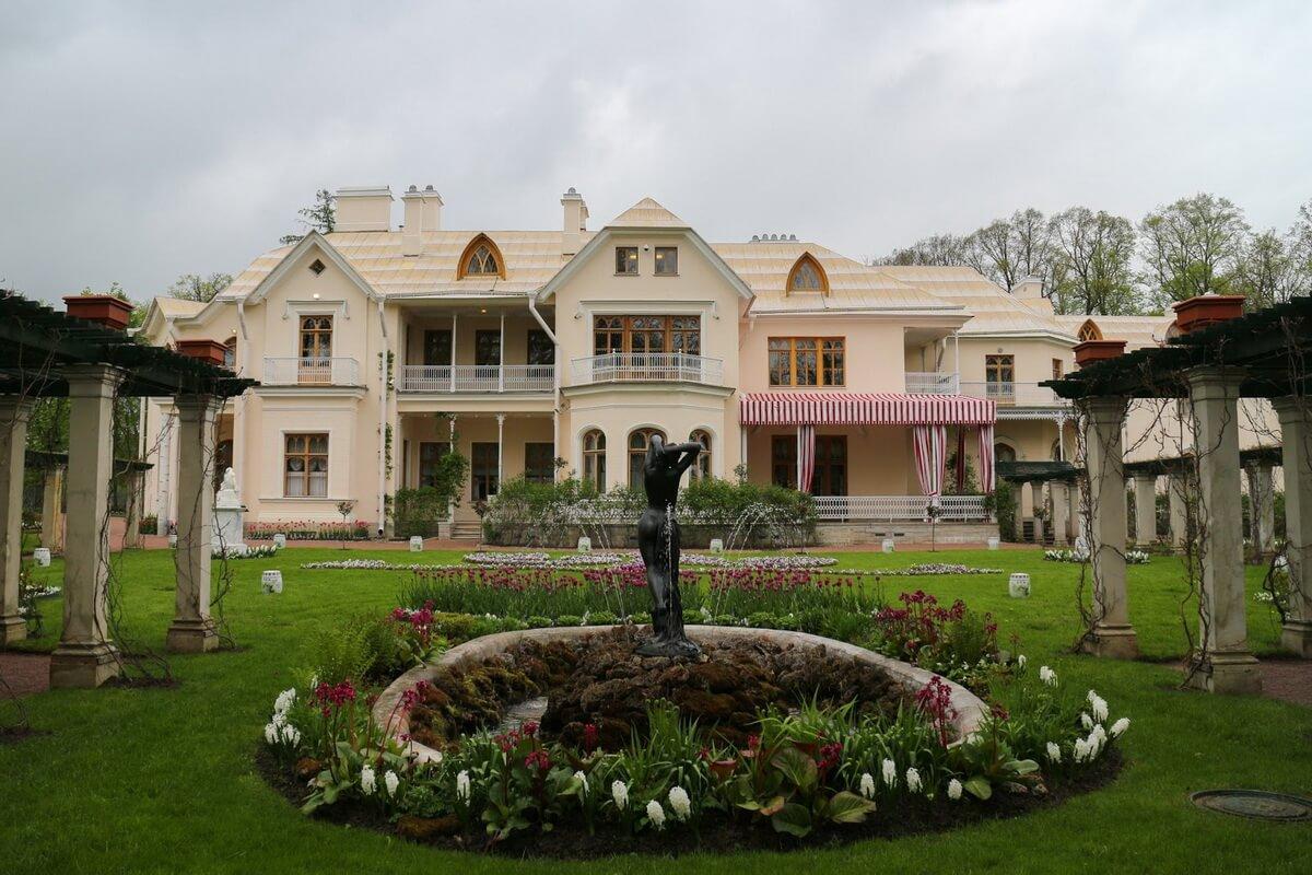 Парк Александрия. Фермерский дворец.