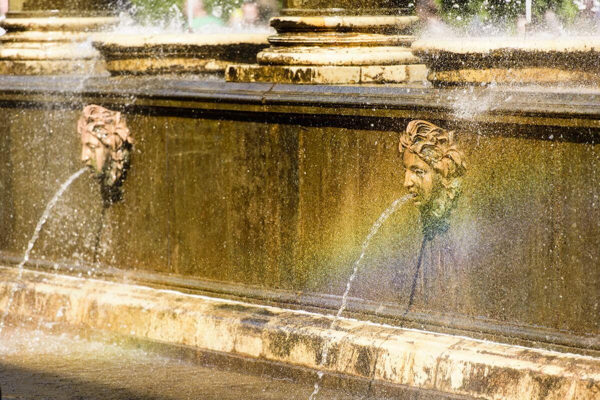 Фонтан Львиный каскад в Нижнем парке