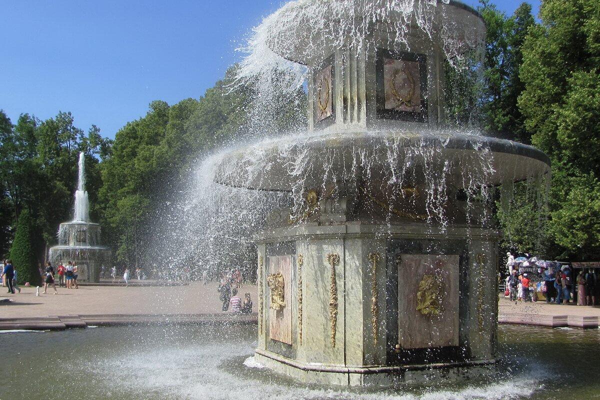 Нижний парк. Римские фонтаны