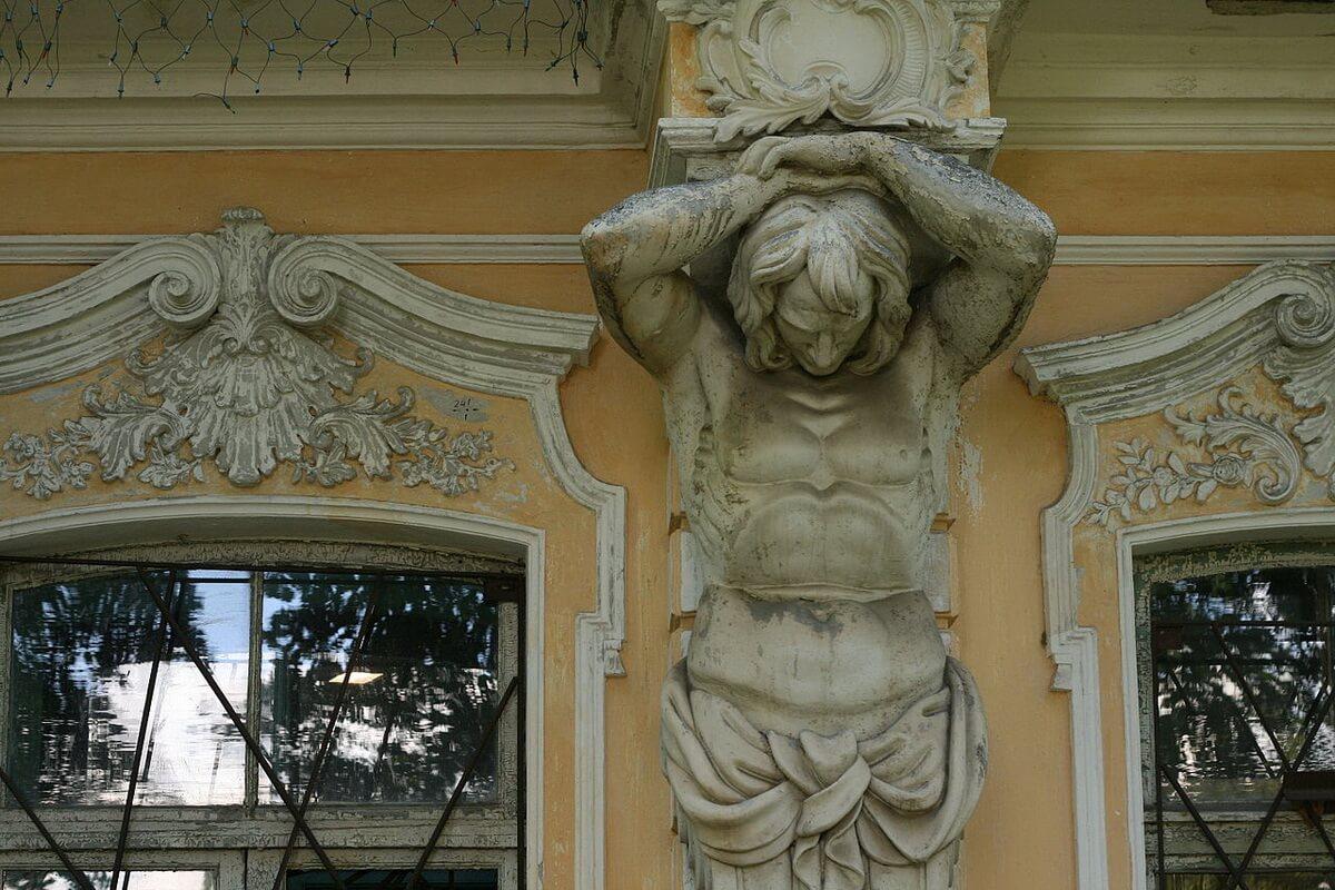 Собственная Дача (фасад)