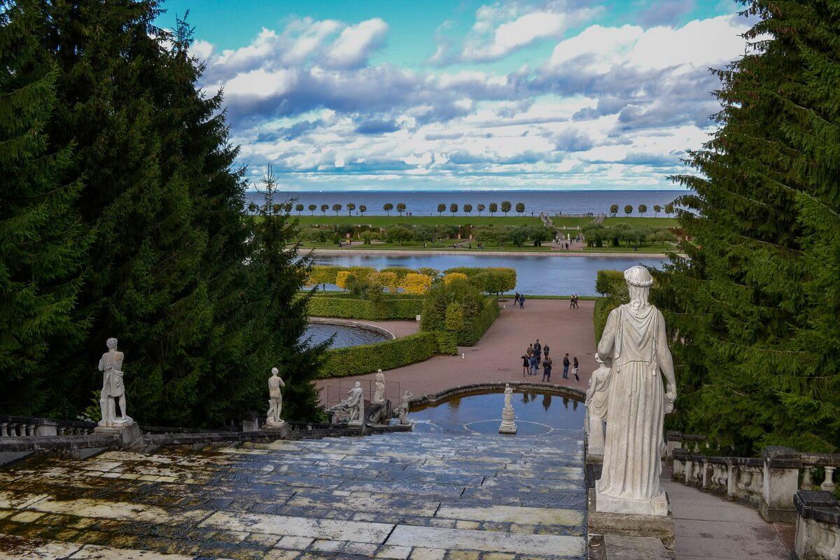 Фонтан Золотая гора. Вид на Финский залив