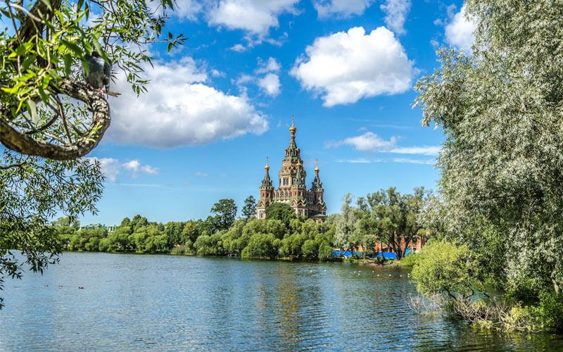 Храмы и соборы Петергофа